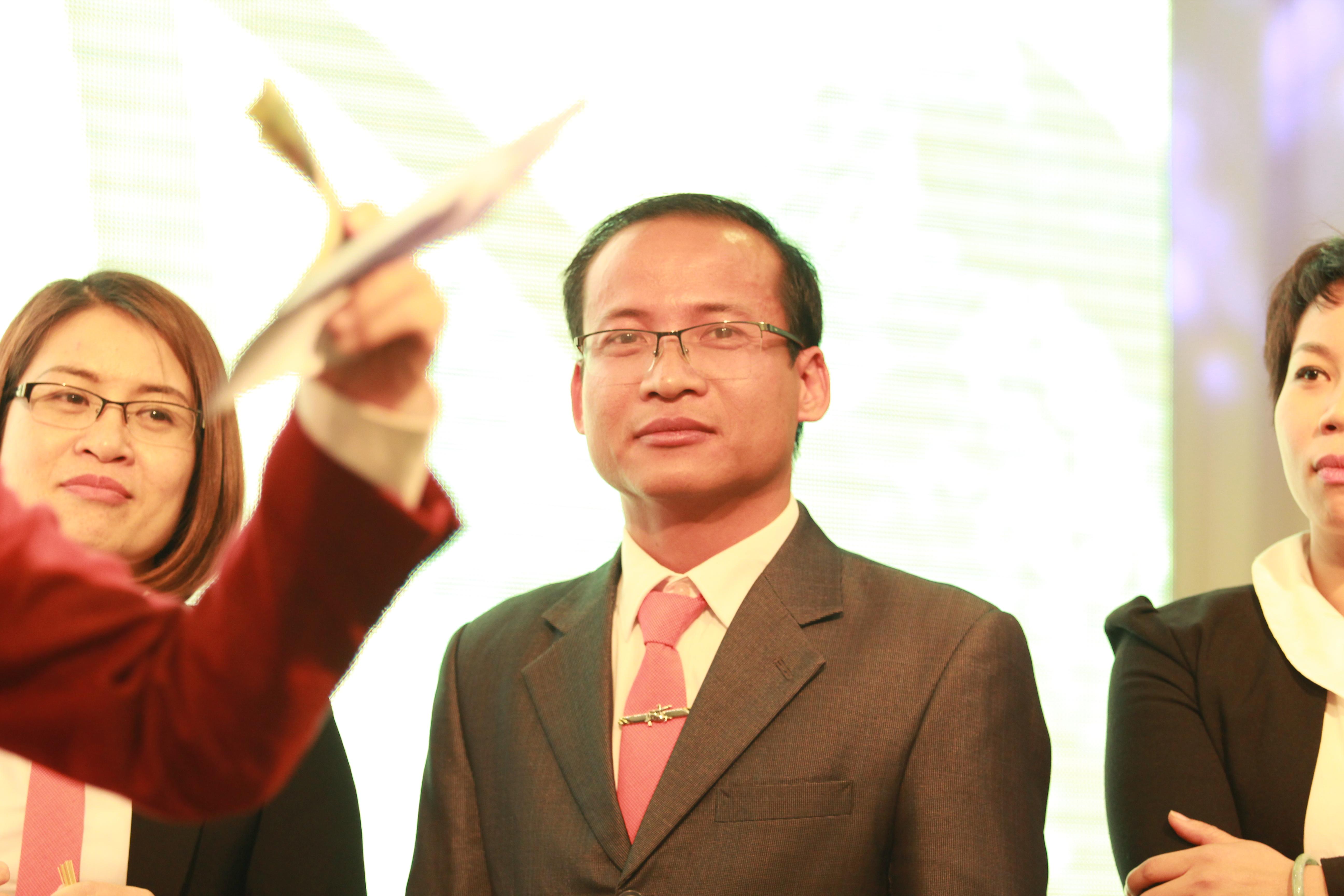 Ông Đinh Hữu Thịnh GTIC building 175 + 176  Bình Kiều 2 - Đông Hải 2 - Hải An - Hải phòng.