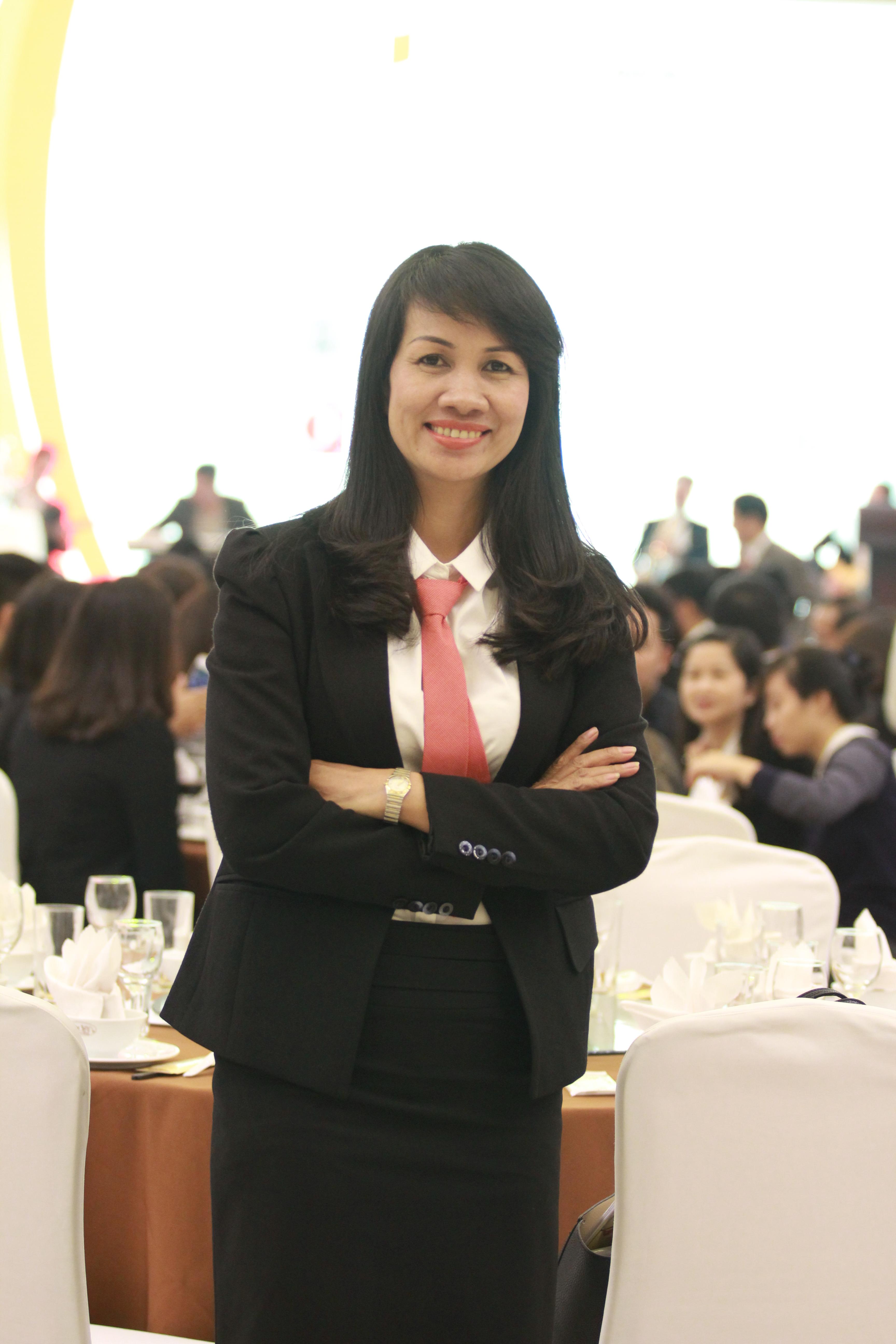 Bà Nguyễn Thúy Hưng  Nhà hàng Neptune Số 8B - lô 26 - Đường Lê Hồng Phong